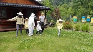 następni pszczelarze gotowi do praktyk