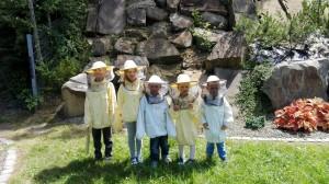 uśmiechnięci i zadowoleni pszczelarze z ekipy II ;)